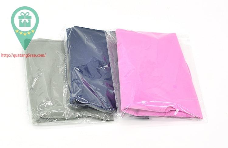 Gối hơi chữ u được bỏ túi rất dễ dàng và gọn gàng