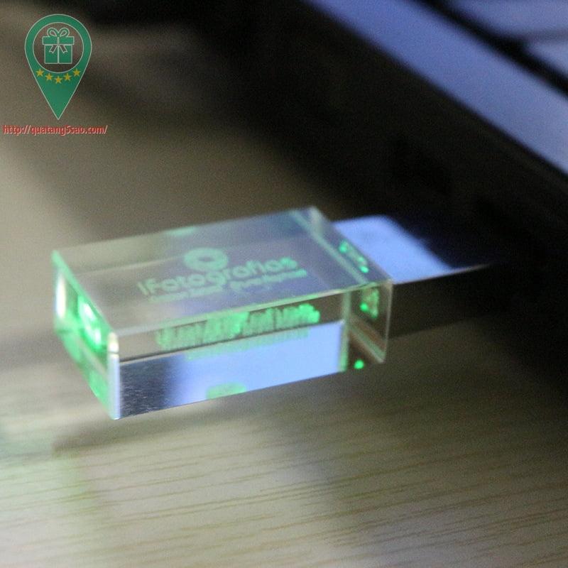 USB qua tang USB gia re Mau 07 06