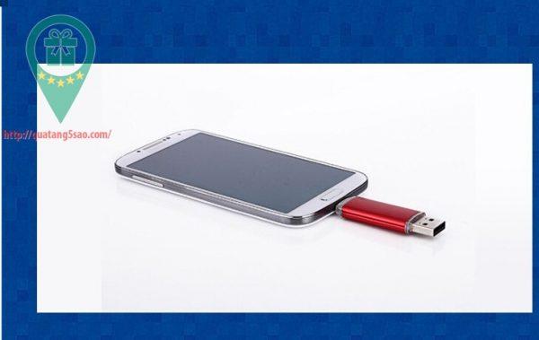 USB qua tang USB gia re Mau 08 03