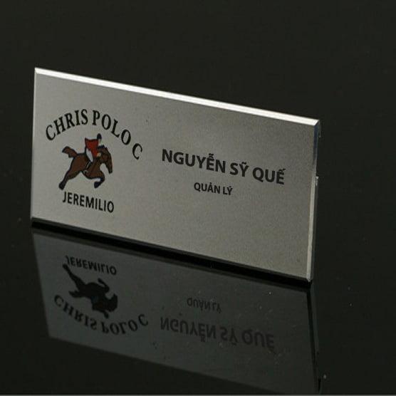 Biển tên nhân viên bằng kim loại giá rẻ