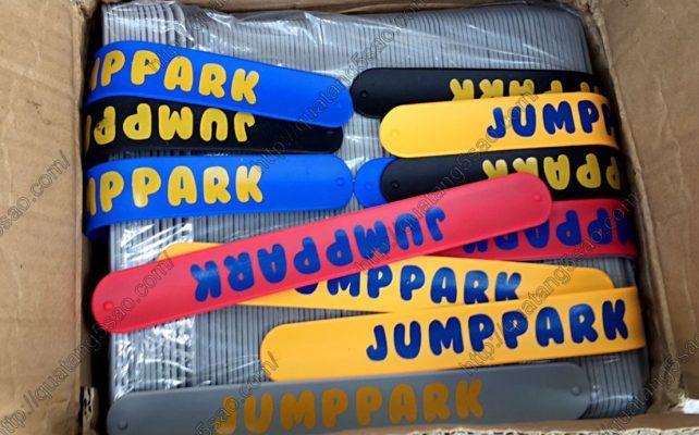 Vòng tay tự gập của khu JumpPark