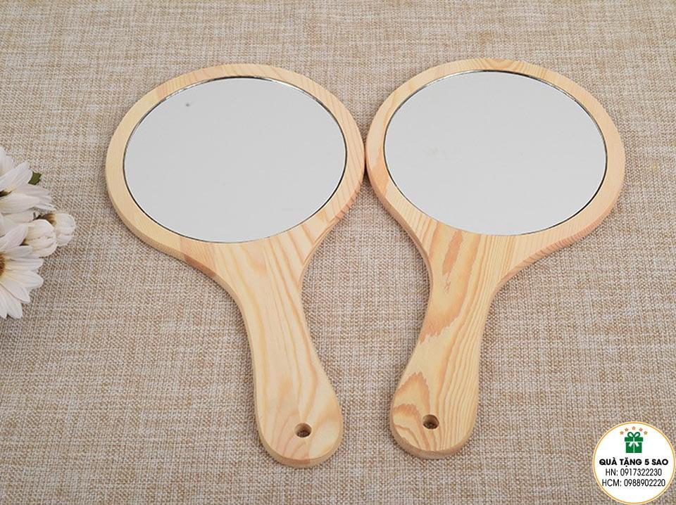 Gương mini cầm tay bằng gỗ thông