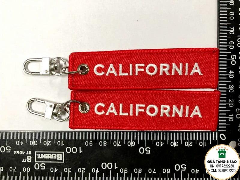 Móc khoá bằng vải, thêu chữ California